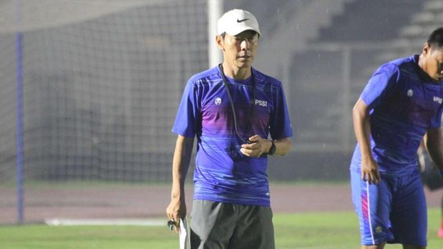 Trợ lý HLV đội tuyển Indonesia nhiễm Covid-19 - 2