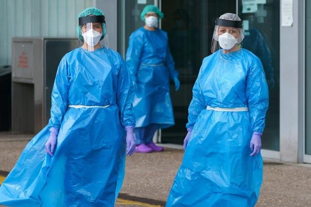 15.000 nhân viên y tế mắc Covid-19, Tây Ban Nha gặp khó khăn chồng chất - 3