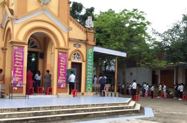 Bí thư Quảng Bình đề nghị xử nghiêm vụ hàng trăm giáo dân tập trung hành lễ - 2