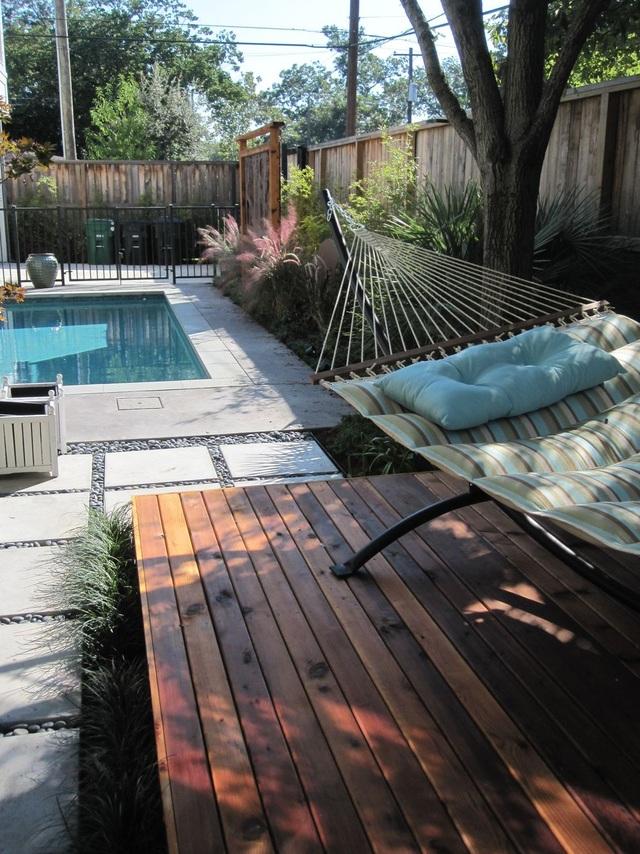 Khó rời mắt với các ý tưởng thiết kế sân vườn đẹp như resort - 1