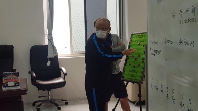 """HLV Park Hang Seo: """"Đội tuyển Việt Nam sẽ làm tất cả để thắng Malaysia"""" - 2"""