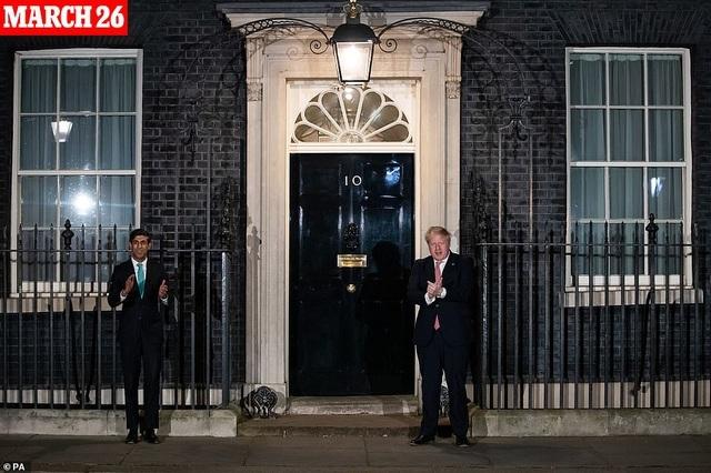 Hai cuộc chiến của Thủ tướng Anh trước ngày nhập viện vì Covid-19 - 2