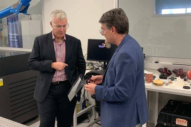 Covid-19: Ứng dụng máy in 3D sản xuất thiết bị bảo hộ cho đội ngũ y, bác sĩ - 2
