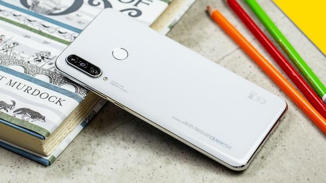 """Những smartphone cấu hình tốt có mức giá """"mềm"""" số 1 hiện nay - 6"""