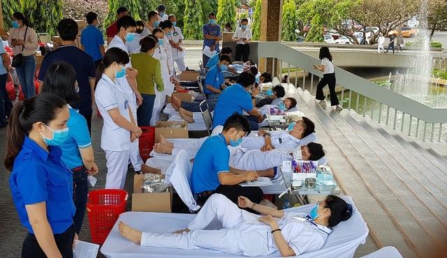 """TPHCM: """"Lượng máu dự trữ chỉ còn đủ cung cấp vài ngày"""" - 2"""