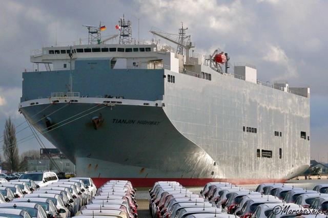 Tàu chở 2.000 ôtô nhập khẩu từ Thái Lan phải kiểm dịch Covid-19 - 1