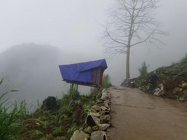 Độc đáo phòng học online bên sườn núi của Lầu Mí Xá - 2
