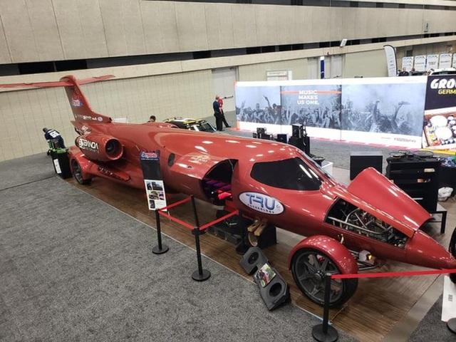 Cực chất: Xe limousine trong thân xác máy bay với giá hơn 1 triệu USD - 5