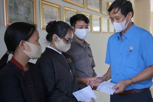 Quảng Trị: Hơn 2.000 lao động nghỉ việc, bị giảm lương vì dịch Covid-19 - 1