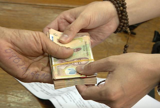 TPHCM: Trả tận nhà lương hưu, trợ cấp BHXH tháng 4,5 cho hơn 75.000 người - 1