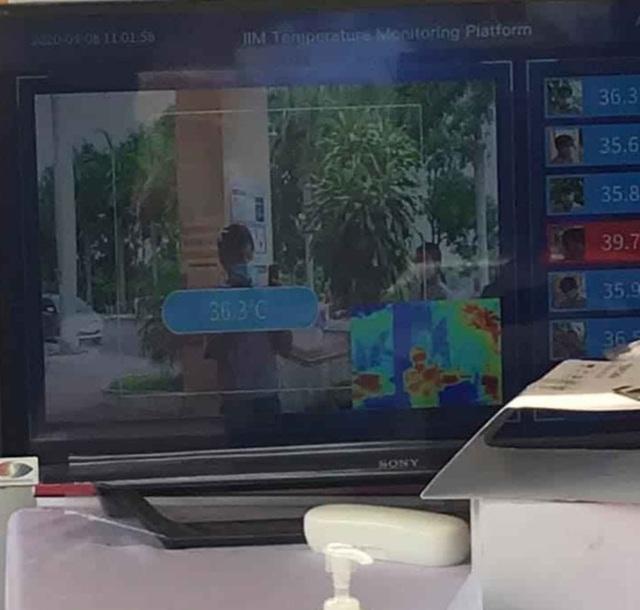 Bệnh viện đầu tiên ở Tây Nguyên dùng robot để kiểm tra thân nhiệt - 2