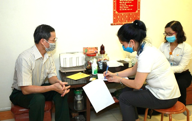 Nóng: 3 cách đăng ký nhận lương hưu, trợ cấp BHXH tháng 4, 5 tại nhà - 1