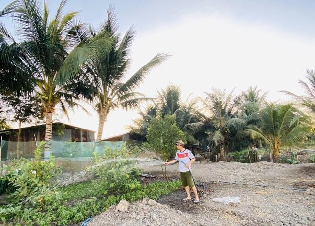 Tiết kiệm 100 triệu, vợ chồng trẻ ở Đồng Nai bỏ phố về quê đào ao, thả cá - 2