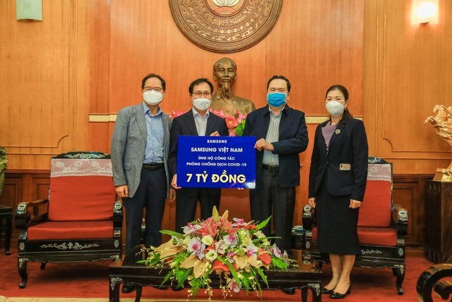 Samsung Việt Nam ủng hộ 10 tỷ đồng chung tay phòng chống dịch COVID-19 - 1