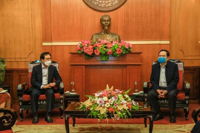 Samsung Việt Nam ủng hộ 10 tỷ đồng chung tay phòng chống dịch COVID-19 - 2
