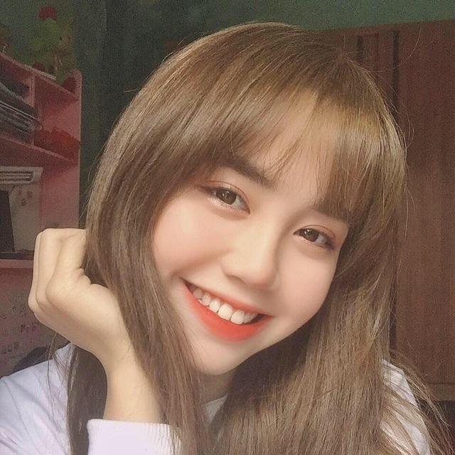 Nữ sinh ĐH Văn hóa gây chú ý vì giống hệt ca sĩ Hàn Quốc - 2
