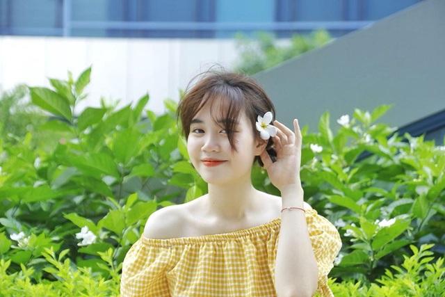 Nữ sinh ĐH Văn hóa gây chú ý vì giống hệt ca sĩ Hàn Quốc - 9