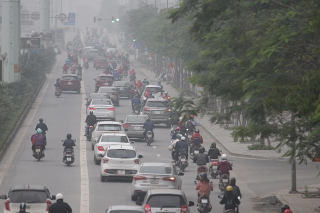 Hà Nội: Dòng người nườm nượp đổ ra đường như chưa hề có lệnh cách ly - 8