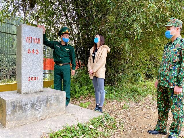 """Lương Thùy Linh xúc động khi thấy chiến sĩ chống dịch""""ăn lán, ngủ rừng"""" - 8"""