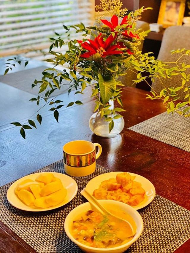 NSND Hồng Vân, Quốc Thuận khoe vườn nhà xum xuê cây trái để tránh dịch - 11