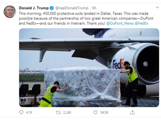 Ông Trump cảm ơn Việt Nam vì hỗ trợ chuyển giao 450.000 bộ đồ bảo hộ y tế - 1