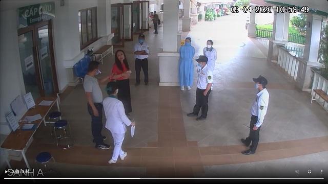 Không hợp tác sàng lọc y tế, người đàn ông hành hung bảo vệ - 2