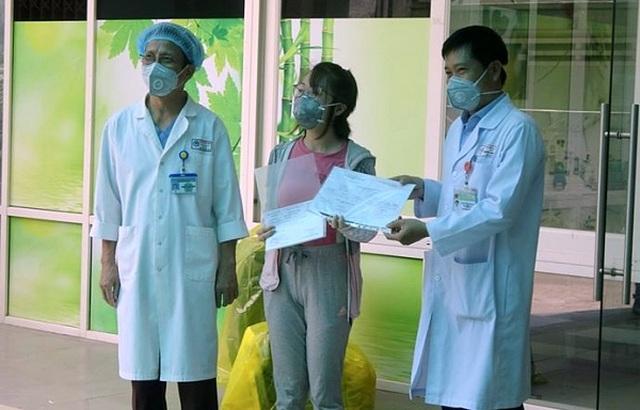 Vì sao bệnh nhân Covid-19 mới 43 tuổi đã diễn biến nặng, suy đa tạng? - 1