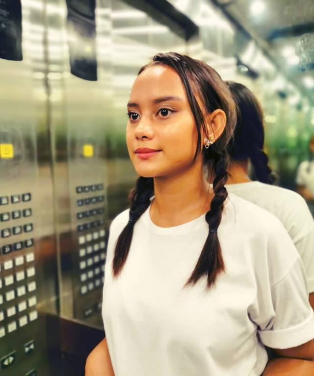 Cô gái ăn xin trở thành người nổi tiếng nhờ bức ảnh lan truyền mạng xã hội - Ảnh minh hoạ 9