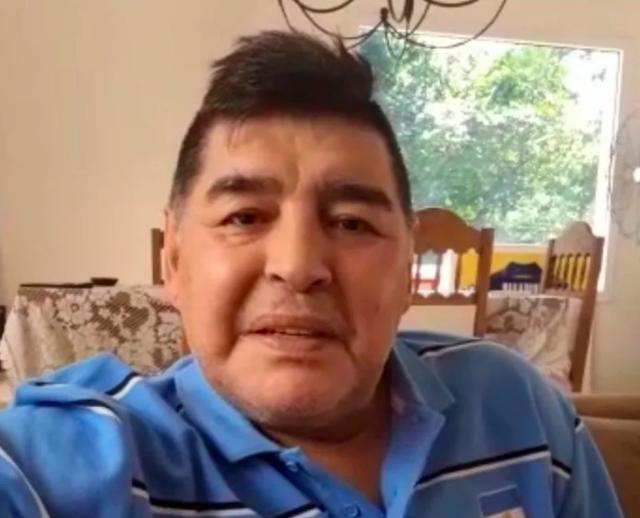 Maradona khoe cuộc sống lành mạnh trong thời gian tự cách ly - 2
