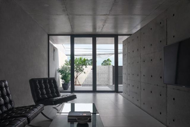 """Ngôi nhà """"lạ"""" với kiến trúc tối giản, nổi bật tại ngoại ô Hà Nội - 5"""