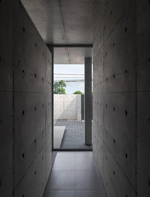 """Ngôi nhà """"lạ"""" với kiến trúc tối giản, nổi bật tại ngoại ô Hà Nội - 6"""