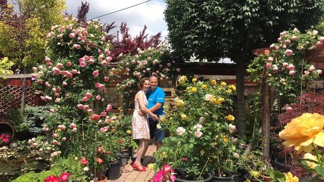 Ngôi nhà phủ kín hoa hồng đẹp không rời mắt của nữ Việt kiều ở Hungary - 16