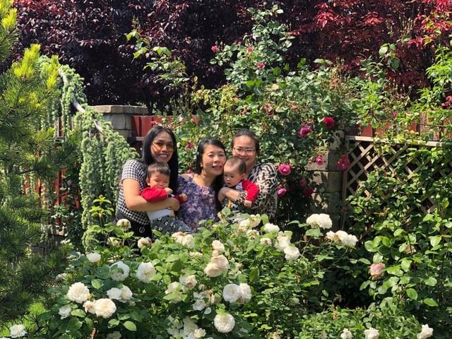 Ngôi nhà phủ kín hoa hồng đẹp không rời mắt của nữ Việt kiều ở Hungary - 14