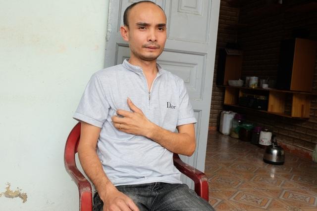 Xót xa cảnh người cha mang bệnh suy tim đứt ước mơ thay tay giả cho con - 1