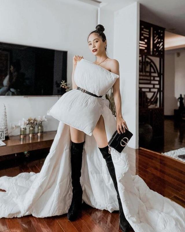 Sao Việt dùng gối, chăn làm váy - biến phòng ngủ thành sàn diễn - 7