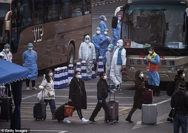 Virus corona đẩy nền kinh tế Trung Quốc giảm mạnh nhất trong 60 năm - 1