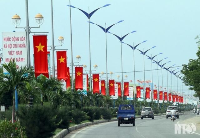 Ninh Thuận dừng các hoạt động chào mừng ngày giải phóng - 1