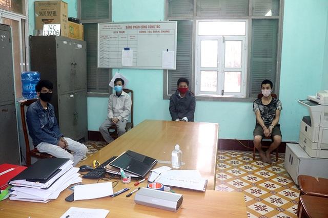 Lĩnh 12 tháng tù giam vì chống đối chốt kiểm dịch Covid-19 - 3