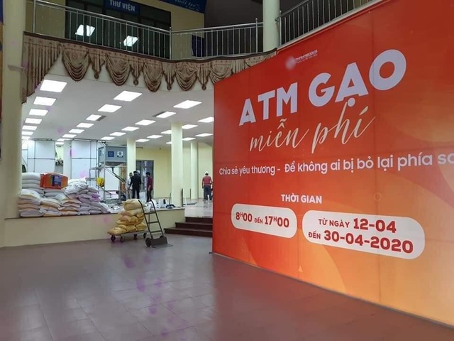 """Chủ """"cây ATM gạo"""" đầu tiên ở Hà Nội mở thêm điểm phát gạo miễn phí - 2"""