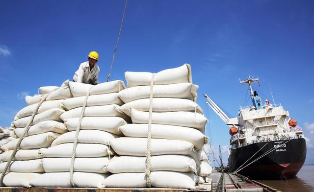 Mở tờ khai xuất gạo lúc 0 giờ: Tổng cục Hải quan giải thích thế nào? - 1