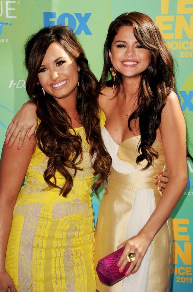 Demi Lovato tuyên bố không phải là bạn của Selena Gomez - 1