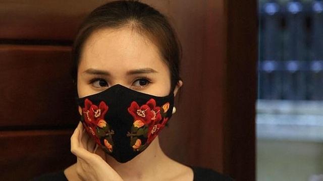 Khẩu trang độc đáo của Việt Nam trên báo nước ngoài - 1