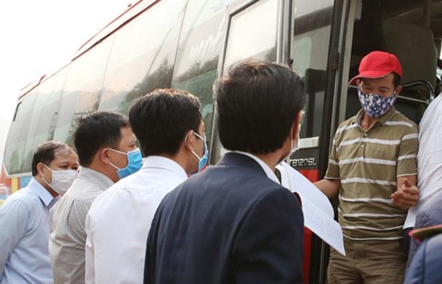 Hà Tĩnh: Gần 1.500 người đăng ký bảo hiểm thất nghiệp do dịch Covid-19 - 1