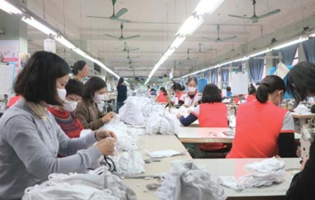 Le lói thời Covid-19: Khẩu trang Việt xuất ngoại, đơn hàng khủng triệu đô - 1