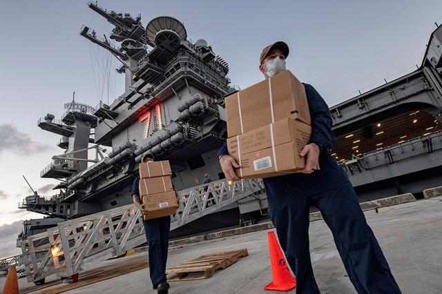 Thủy thủ tàu sân bay Mỹ: Mẹ, con như sắp chết - 1