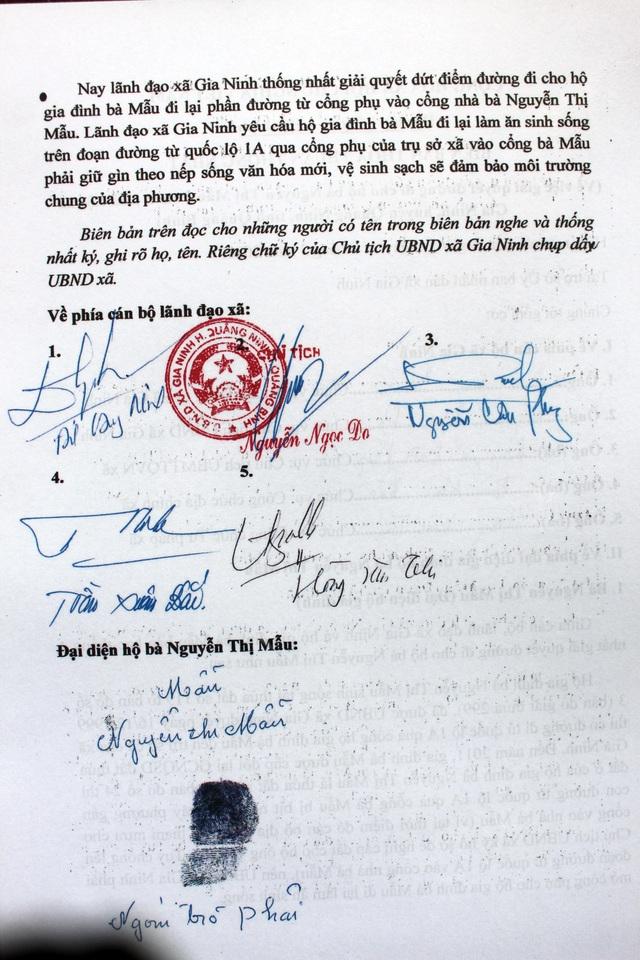 Vụ người dân phải trèo cổng ủy ban xã để vào nhà: Xã thừa nhận sai sót! - 5