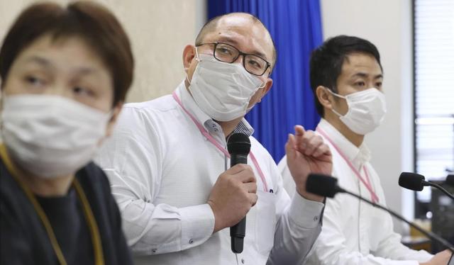 Chuyên gia: 400.000 người Nhật có thể chết nếu không kiểm soát chặt dịch  - 1