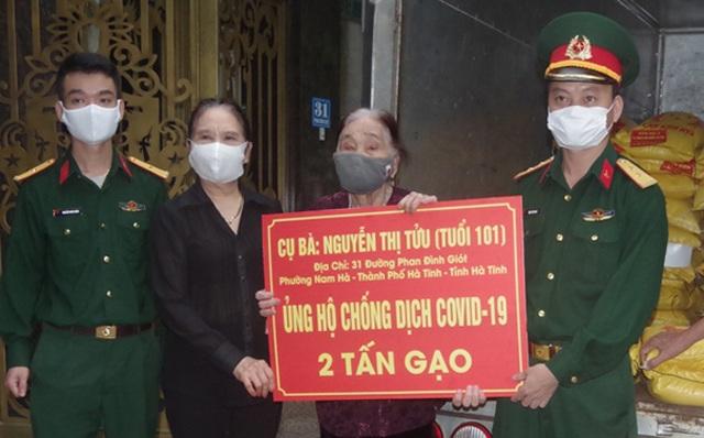 Chiến sĩ 73 tuổi mang chân giả xung phong đứng chốt kiểm dịch - 7