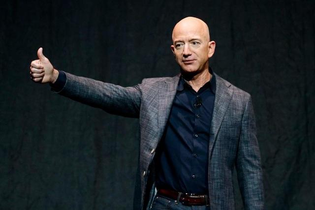 Đại dịch, người giàu nhất hành tinh- Jeff Bezos vẫn bỏ túi hàng chục tỷ USD - 1