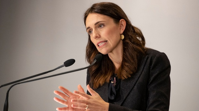 Thủ tướng, các bộ trưởng New Zealand tình nguyện giảm 20% lương 6 tháng - 1